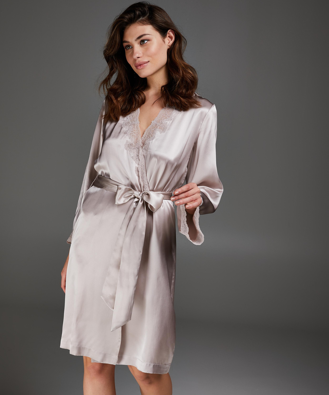 Kimono en dentelle de soie, Rose, main