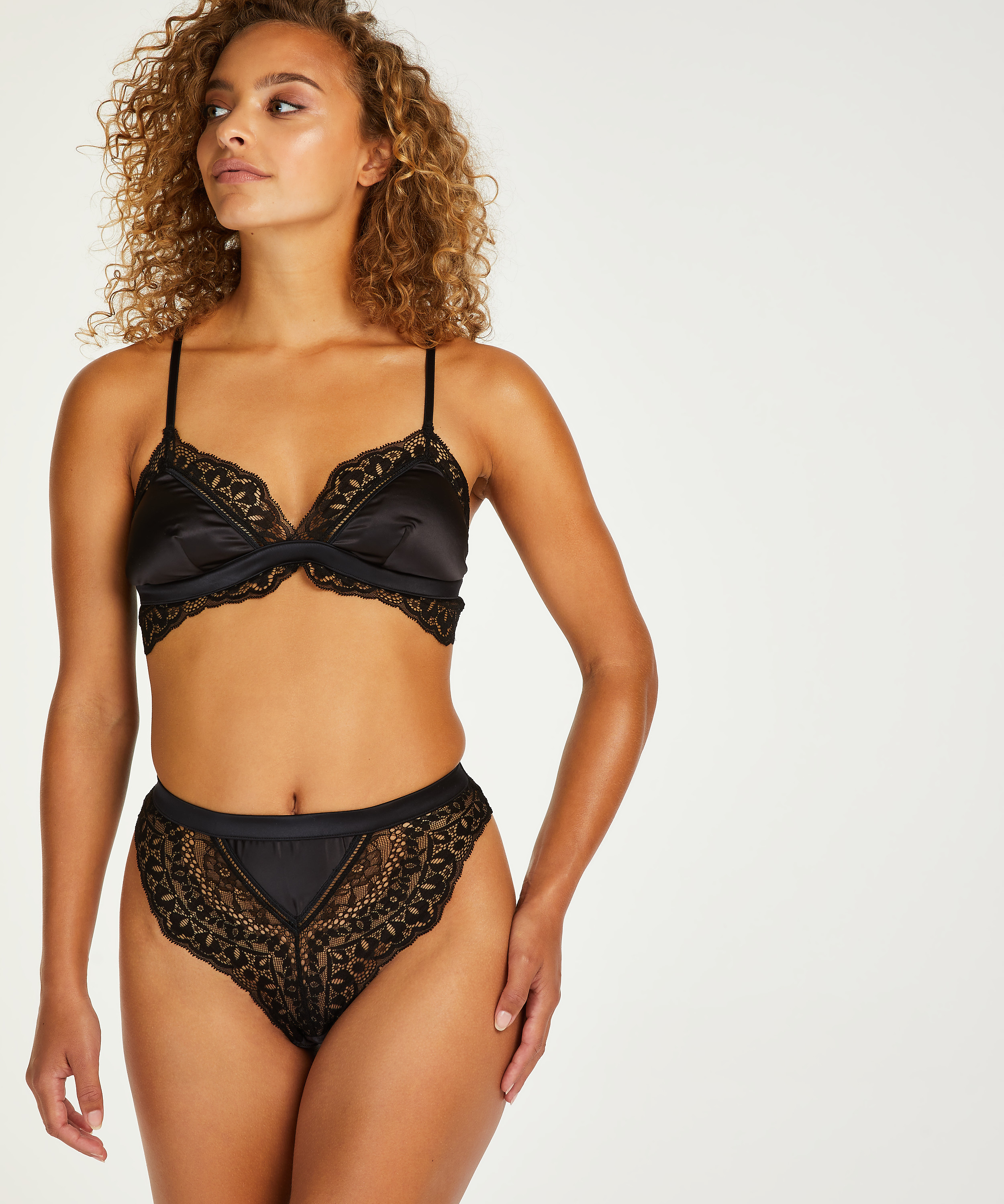 String taille haute Niany, Noir, main