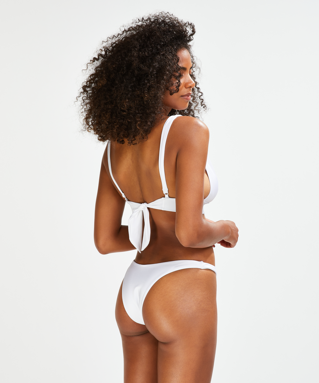 Slip de bikini échancré Lola, Blanc, main