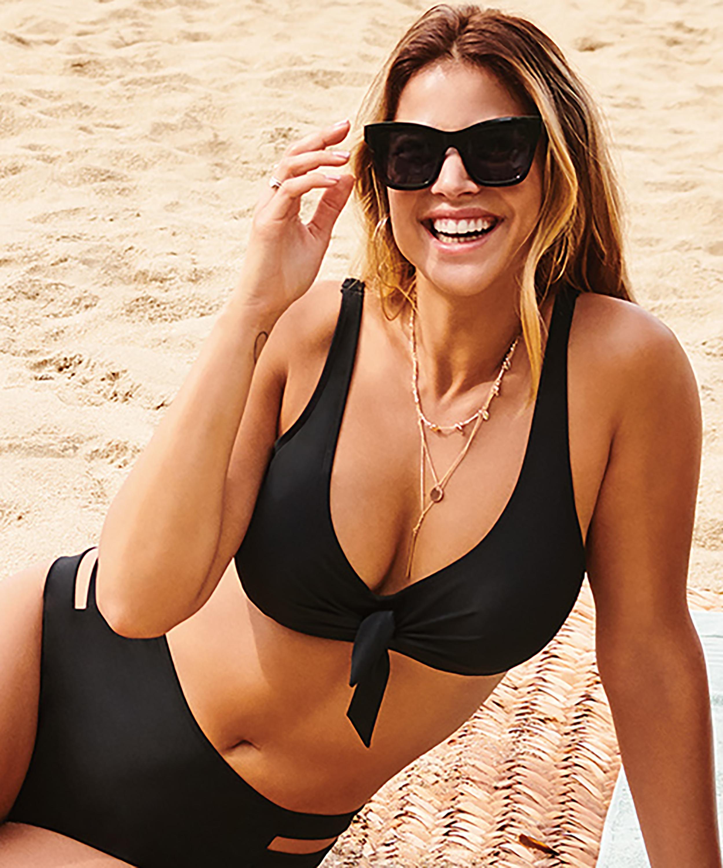 Anneau non ajusté haut de bikini Sunset Dreams, Noir, main