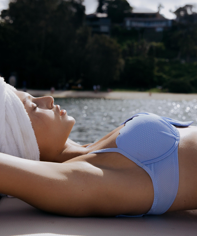 Haut de bikini à armatures préformé Scallop, Bleu, main